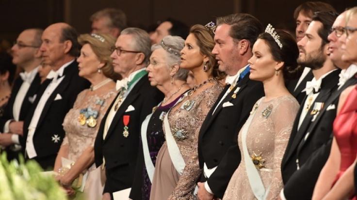 Wölbt sich da ein Bäuchlein unter dem Kleid von Prinzessin Sofia von Schweden?
