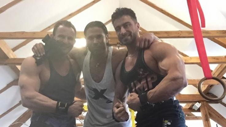 Schafft Tim Wiese (Mitte) wirklich den Durchbruch als Wrestler?