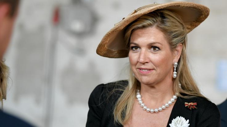 Königin Maxima der Niederlande muss für ihr modisches Auftreten Kritik einstecken.