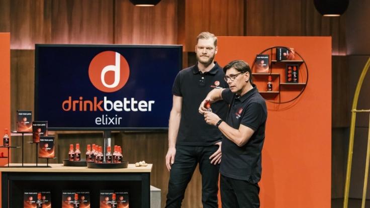 "Johannes Bitter und Christian Monzel holen sich mit ""Drinkbetter enerxxy"" den Deal. (Foto)"
