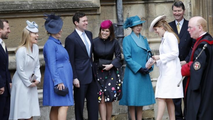 Beim traditionellen Ostergottesdienst sah die britische Königsfamilie entspannt und gelassen aus - doch hinter den Kulissen soll ein wahrer Kleinkrieg toben. (Foto)
