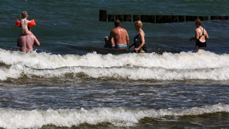 Viele Deutsche wissen nicht einmal von der unsichtbaren Gefahr im Badeurlaub.