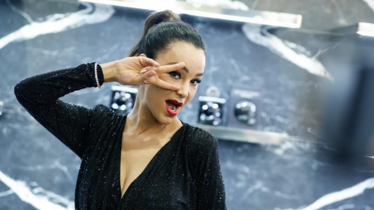 Verona Pooth steht am Samstagabend gegen Schauspielerin Janine Kunze bei