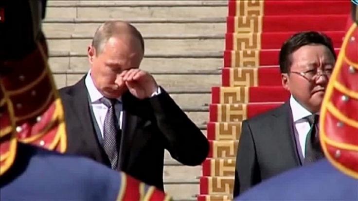 Aus der Rubrik «5 Dinge, die diese Woche geheim bleiben sollten»: Der weinende russische Staatspräsident Wladimir Putin.