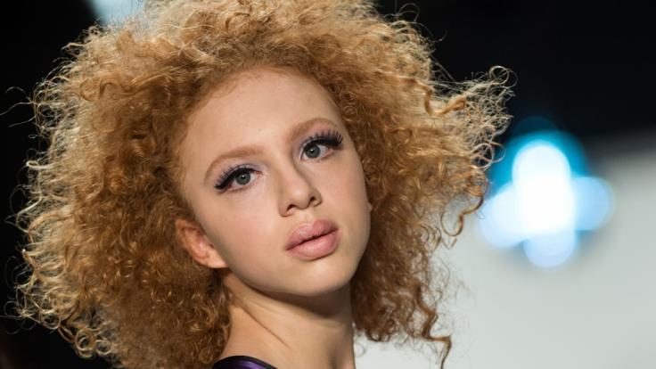 Mit ihrem unverkennbaren Look hat es Boris Beckers Tochter Anna Ermakova ins internationale Modelgeschäft geschafft. (Foto)