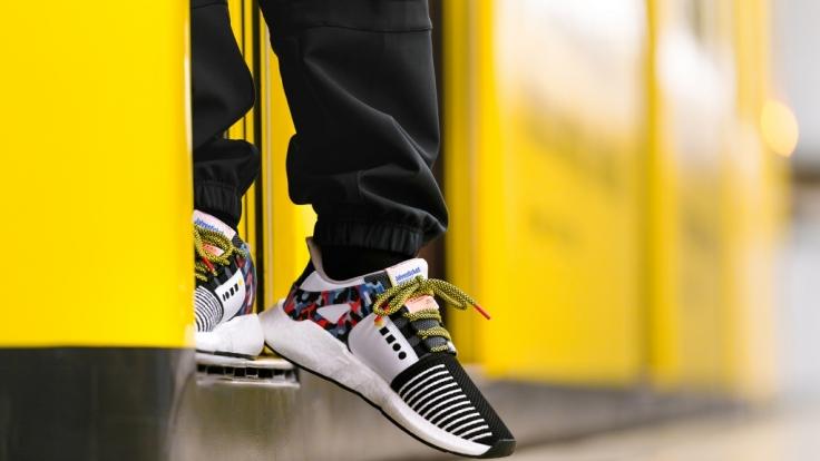 Bei der BVG gilt 2018 ein Sneaker als Jahresticket. (Foto)