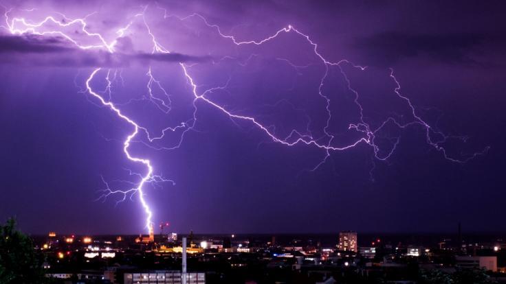 Eine neue Unwetterfront ist im Anmarsch. (Foto)