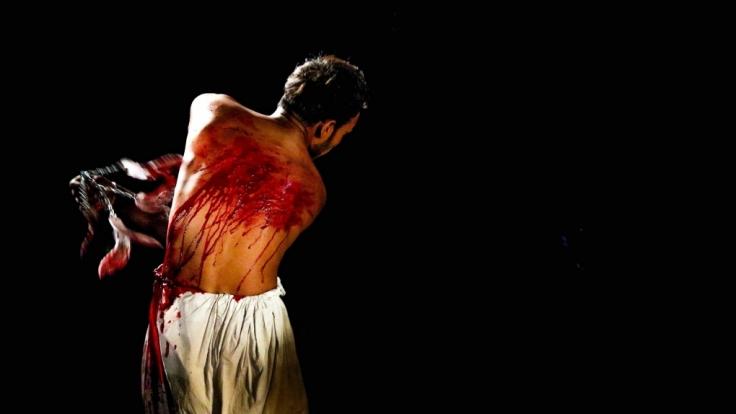 Während des Aschura-Festes geiseln sich Schiiten teils mit Messern und Klingen. (Foto)