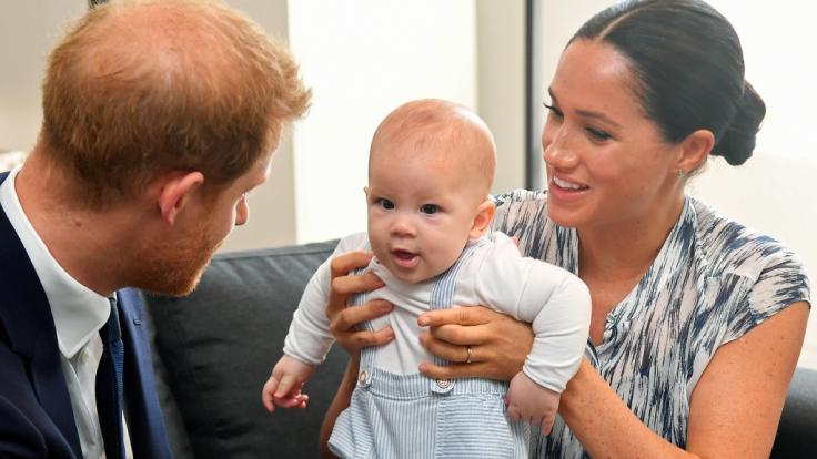 Meghan Markle zeigte Baby-Sohn Archie erstmals öffentlich - doch nun steht der Herzogin die Trennung von Ehemann Prinz Harry bevor. (Foto)