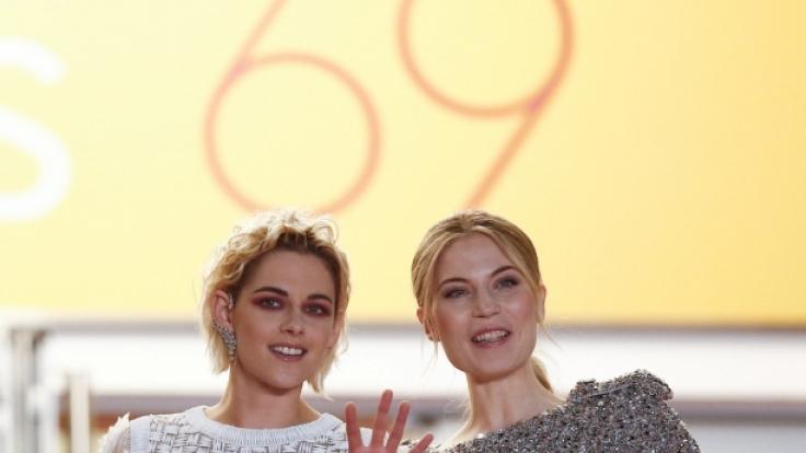 Kristen Stewart und Nora Waldstätten bei den Internationalen Filmfestspielen von Cannes im jahr 2016. (Foto)