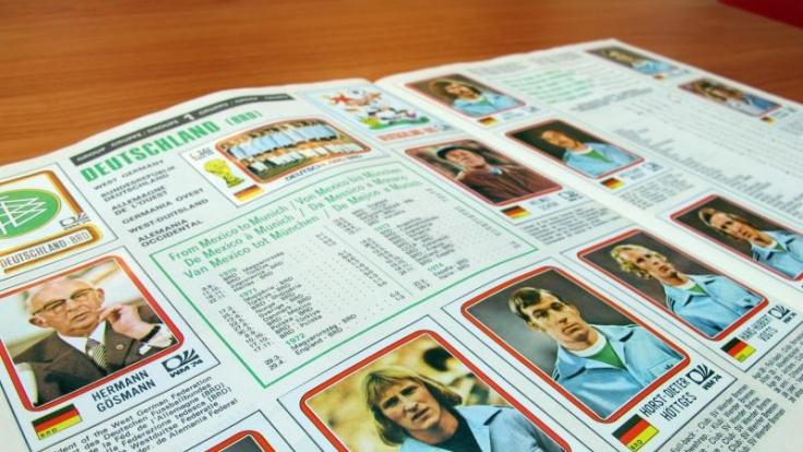 Das Panini-Heft zur Weltmeisterschaft 1974 in München imShowroom der Firma Panini in Modena - eine Rarität.