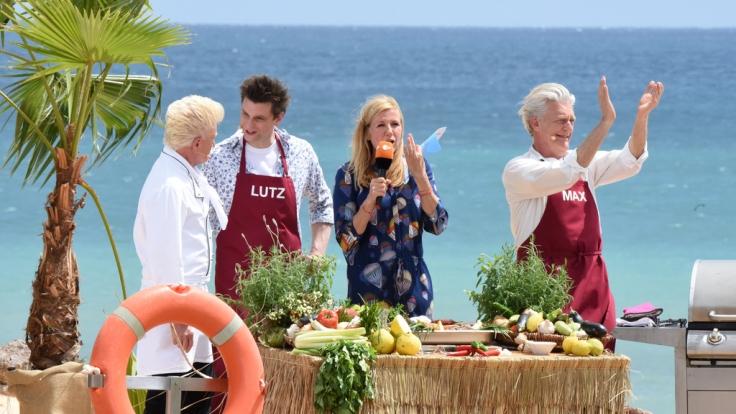 """Andrea Kiewel mit ihren """"drei Herren vom Grill"""": TV-Koch Armin Roßmeier, Lutz van der Horst und Max Moor. (Foto)"""