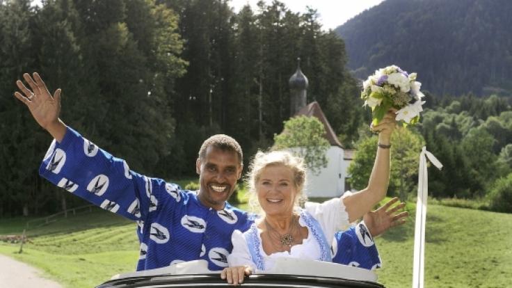 Ein echtes Traumpaar: Die Bayerin Elli (Jutta Speidel) und der Afrikaner Raymond (Christofer von Beau).