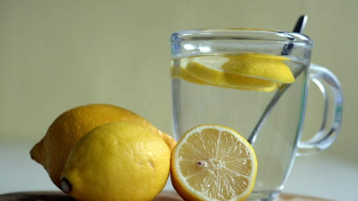 Hilft heiße Zitrone wirklich bei Erkältungen?