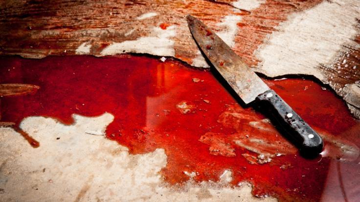 In Paderborn ist eine 19-Jährige Opfer eines geistig verwirrten Messer-Angreifers geworden (Symbolbild).