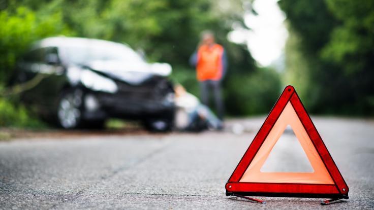 Eine 11-Jährige ist bei einem Autounfall gestorben. (Foto)