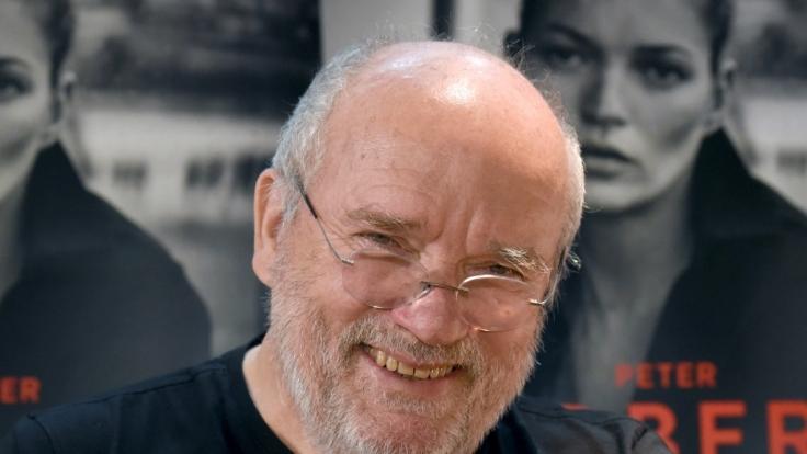 Der international erfolgreiche Fotograf Peter Lindbergh ist im Alter von 74 Jahren gestorben.
