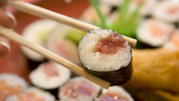 Für Sushi eignen sich auch Saibling und Forelle (Foto)