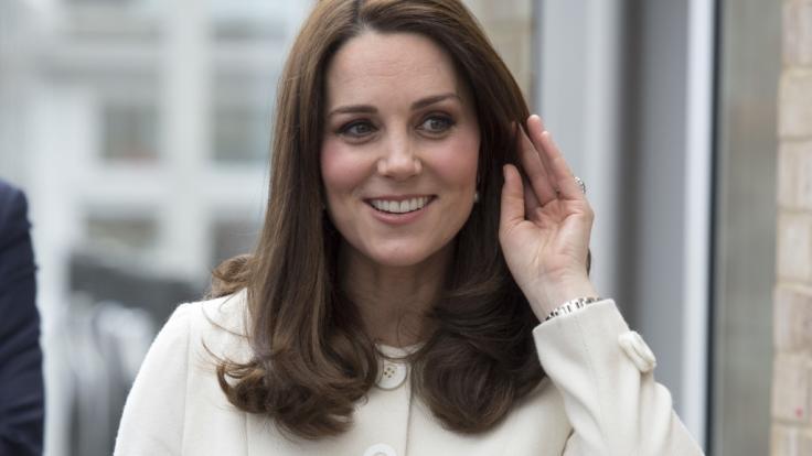 Herzogin Kate soll wieder einmal schwanger sein. (Foto)
