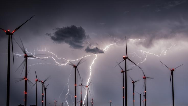 Der Deutsche Wetterdienst verhängte für Teile Deutschlands Alarmstufe Rot. (Foto)