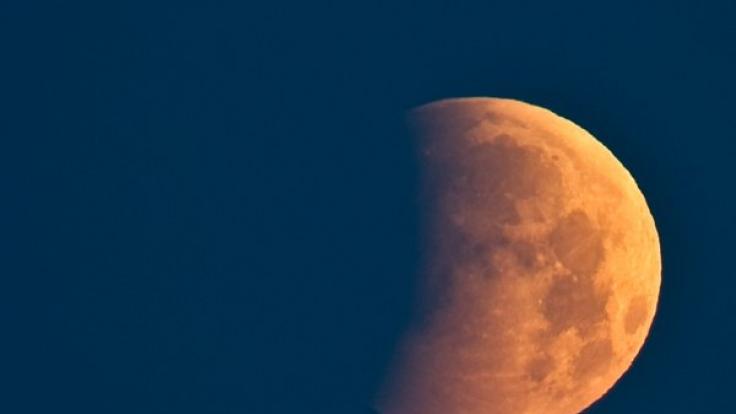 Die totale Mondfinsternis am 4. April 2015 verspricht erneut einen Blutmond.