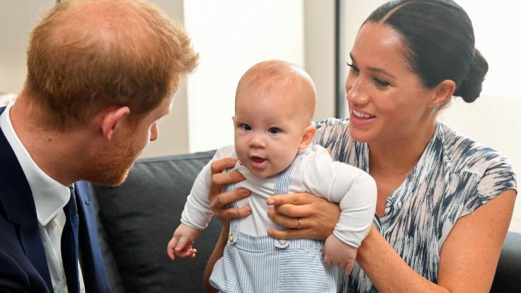 Noch ist Archie Harrison Mountbatten-Windsor kein Prinz - doch das Schicksal des Sohnes von Prinz Harry und Meghan Markle könnte sich in naher Zukunft ändern.
