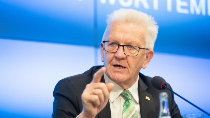 Winfried Kretschmann (Bündnis 90/Die Grünen), Ministerpräsident von Baden-Württemberg, kündigt den Corona-Lockdown noch vor Weihnachten an. (Foto)