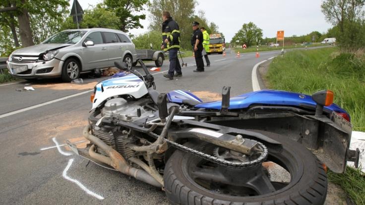 In Ostfriesland hat ein Vater seinen eigenen Sohn überfahren. (Symbolbild) (Foto)