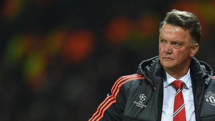 Not amused: Luis van Gaal steht nach dem Ausscheiden Manchester Uniteds weiterhin in der Kritik.