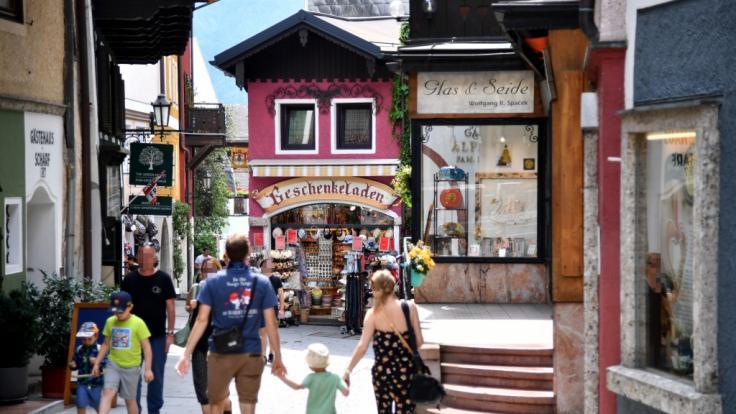 Die Zahl der Corona-Infektionen in mehreren Tourismusbetrieben in St. Wolfgang ist massiv angestiegen. (Foto)