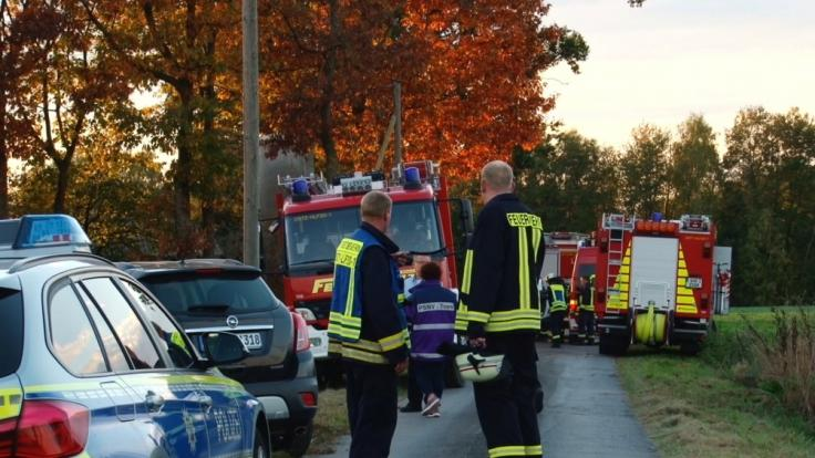 Beim Rangieren mit seinem Transporter auf einem Hof ist Ostbevern (Nordrhein-Westfalen) hat ein Mann seinen kleinen Sohn überfahren.