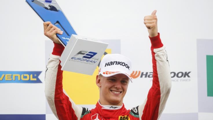 F3-Pilot Mick Schumacher auf dem Hockenheimring nach seinem Tagessieg am 14. Oktober 2018.