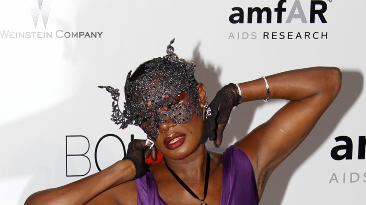 Verrucht: Grace Jones bei der amfAR-Gala in Antibes 2010. (Foto)