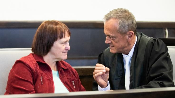 """Nach der Verurteilung zu 13 Jahren Haft im Prozess um das sogenannte """"Horrorhaus"""" von Höxter verzichtet Angelika W. auf eine Revision. (Foto)"""