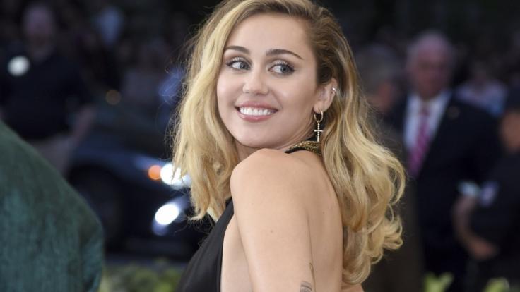 Miley Cyrus zeigt fast wieder zu viel. (Foto)