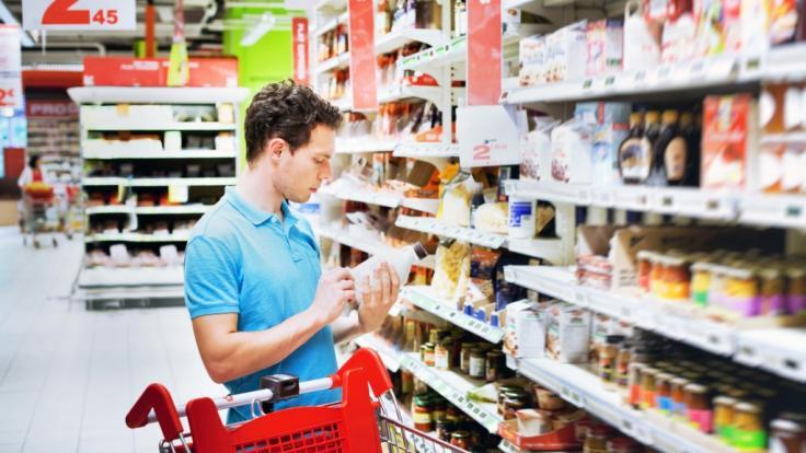 Verbraucherschützer kritisieren Hersteller wegen teurer Mogelpackungen.