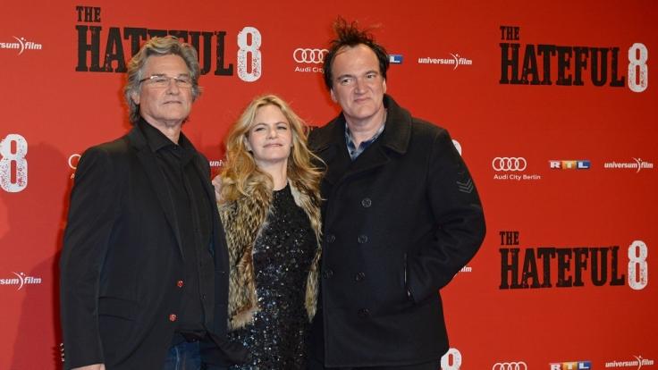 Zusammen mit den Darstellern Kurt Russell und Jennifer Jason Leigh besuchte Tarantino die deutsche Hauptstadt. (Foto)