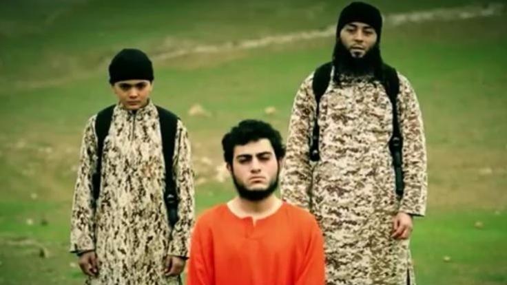 Dieser ISIS-Killer soll erst 12 Jahre alt sein. (Foto)