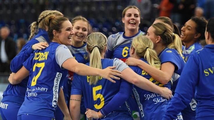 Die Mannschaft der schwedischen Handball-Nationalmannschaft trifft im Viertelfinale auf Dänemark. (Foto)