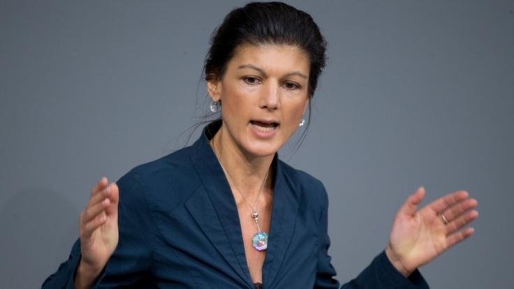 Fraktionschefin der Linken, Sahra Wagenknecht, stößt mit ihrer Forderung nach einer Flüchtlingsobergrenze auf Kritik.