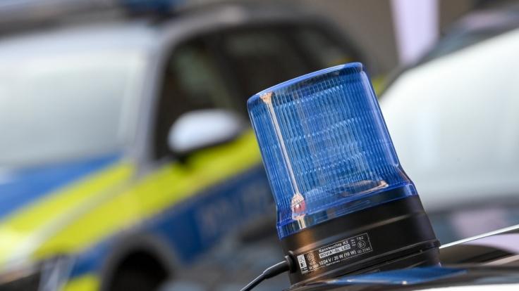 Nach einem erweiterten Suizid in Isselburg im Münsterland ermittelt eine Mordkommission der Polizei.