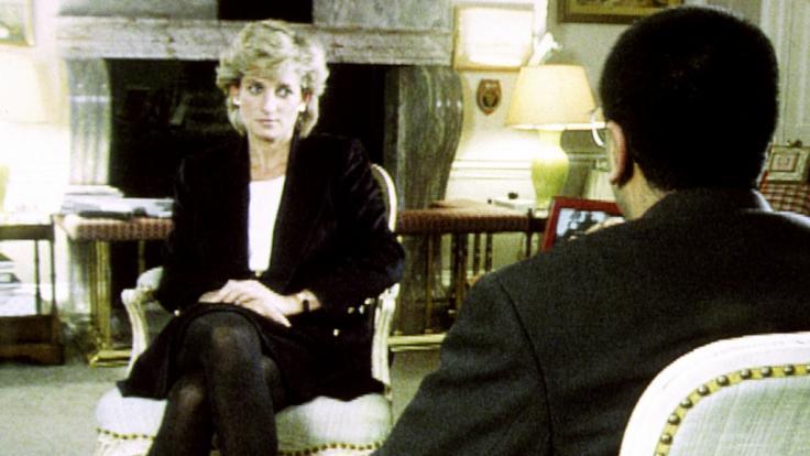 Prinzessin Diana im Gespräch mit BBC-Reporter Martin Bashir beim Interview des britische Fernsehsenders BBC. (Foto)