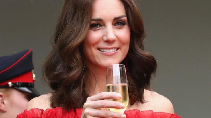 Während ihres Deutschland-Besuchs hat Herzogin Kate noch Alkohol getrunken. (Foto)