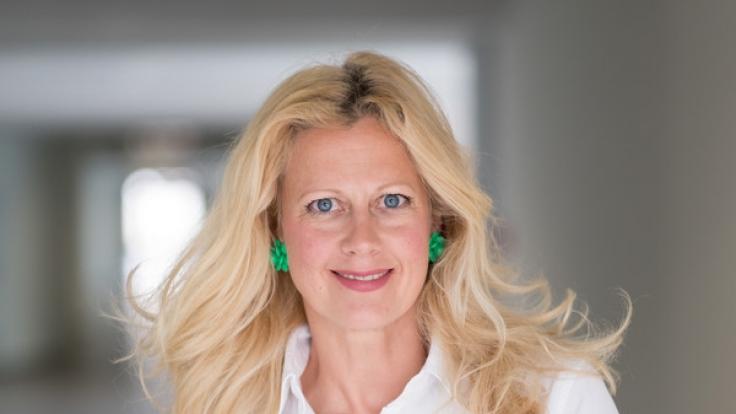 Barbara Schöneberger greift auf einen Gagschreiber zurück. (Foto)