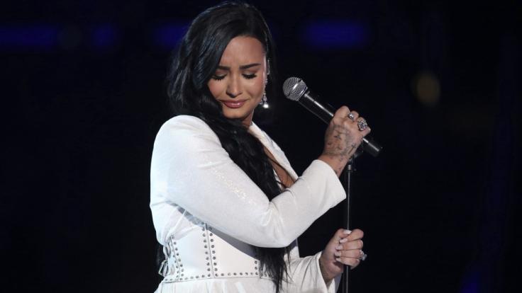 Demi Lovato spricht in einer neuen YouTube-Dokumentation über ihre fast tödliche Überdosis. (Foto)