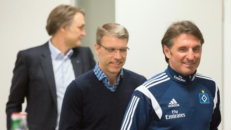 Dietmar Beiersdorfer, Peter Knäbel und Bruno Labbadia (v.li.). (Foto)