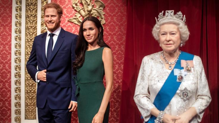 Im Londoner Wachsfigurenkabinett Madame Tussauds ist der Megxit schon vollzogen - jetzt ist der Rückzug von Meghan Markle und Prinz Harry auch im Königshaus selbst besiegelt. (Foto)