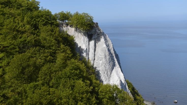 An der Steilküste auf der Insel Rügen ist die Leiche einer Frau gefunden worden (Symbolbild).