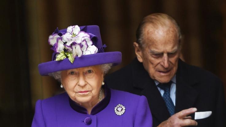 Für die Queen könnte es einige unliebsame Enthüllungen zu angeblichen Affären von Prinz Philip geben. (Foto)