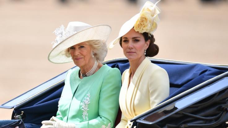 Herzogin Camilla und Herzogin Kate. (Foto)